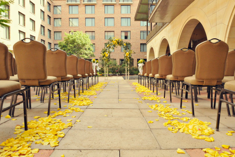 AT&T Hotel & Conference Center Courtyard Wedding